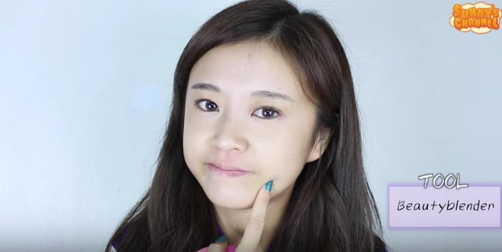 你其實認識她,而且很熟!等她化妝完你就會說:「原來是我們台灣的小公主啊!」