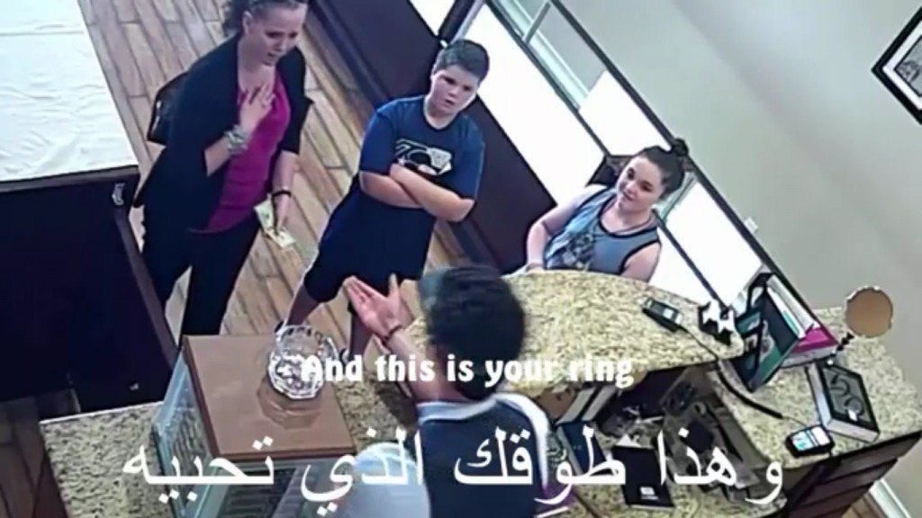 這名難民媽媽已經窮到要賣傳家之寶才能存活,本身也是難民的店員隱瞞身分「拒絕收東西但還是拯救了她」!