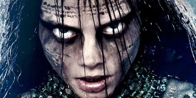 《自殺突擊隊》裡的「魅惑女巫」原來這麼美!18張照片證明卡拉迪樂芬妮的「搞怪才是王道」!
