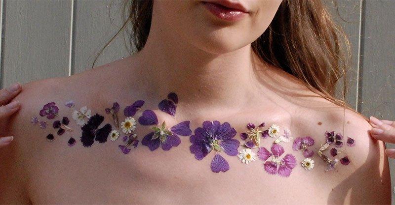 現在國外最新流行的「乾燥花刺青」正在掀起秋季時尚潮流。內有超簡單幾步驟教學!
