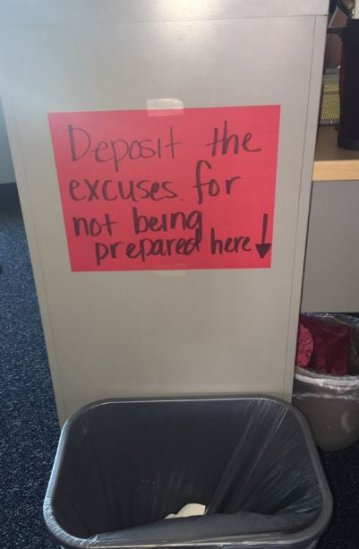 13個「無用體罰就可以把學生完全征服」的超爆笑老師批鬥學生奇招。