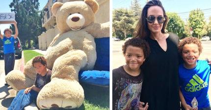 兩個孩子在路上賣大熊娃娃一整天都賣不掉,沒想到巨星安潔莉娜裘莉出現了...而且還雙倍價錢!