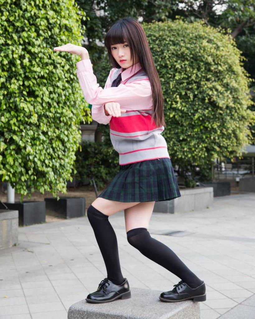 台灣高校制服投票大賞紅到日本但大家都只注意到這位「台灣搞怪少女」,擺出相撲姿勢時大家都戀愛了...
