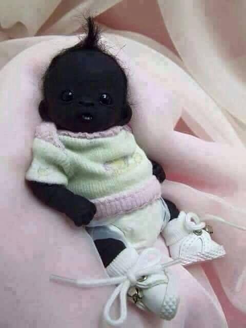 這個「全世界最黑的寶寶」2歲照曝光了 但許多網友看了眉頭一皺...