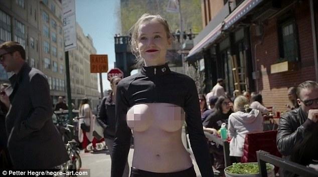 這位模特兒「上空漫步在紐約街頭」目的在改變這個社會,攝影師高清拍下整個過程!