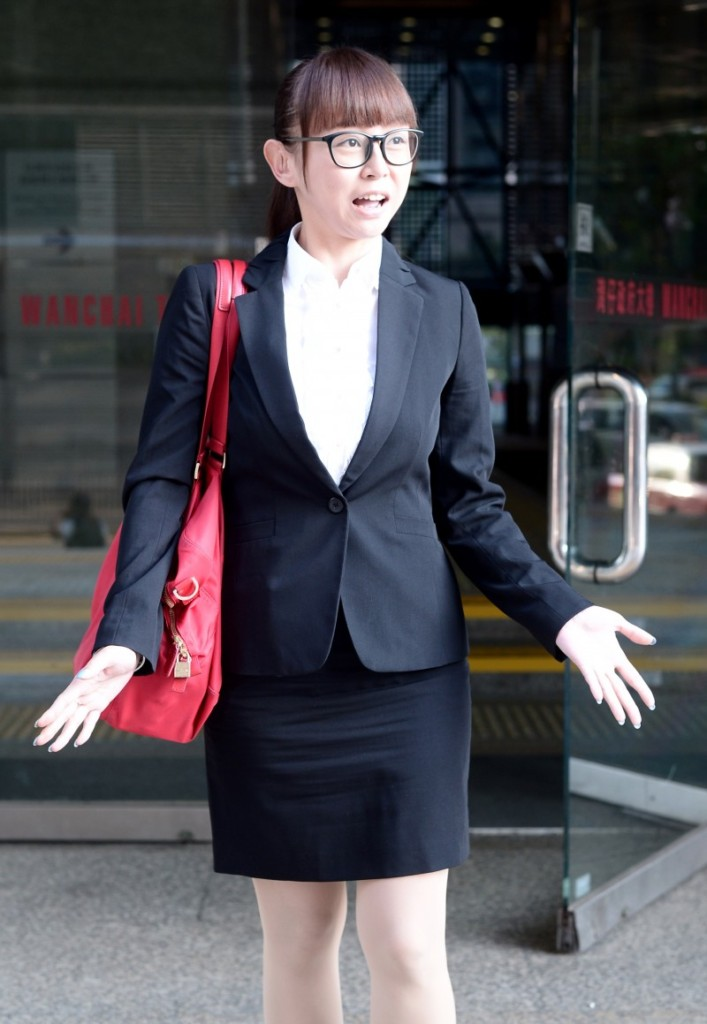 這位香港女子趁前男友離開她家時狂捅4刀「送他回家路上再補一刀」。最離奇的是他「金鋼狼般的生命力」!