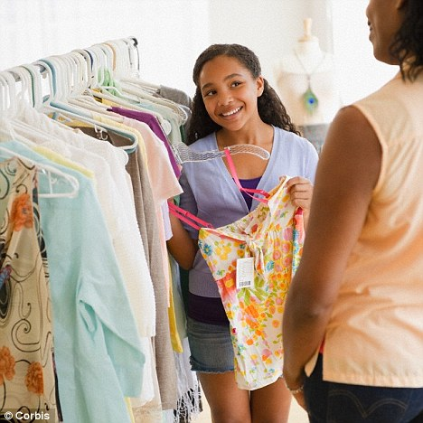 「你買的衣服可能是店員的」才會有味道,真相讓網友開始爆冷汗...