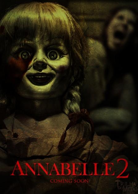 《安娜貝爾 2》預告片出爐,這次她女兒跟鬼娃娃玩,忽然聽到...