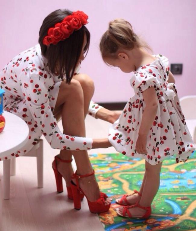 21張爸爸不可能參與的「女兒就是媽媽迷你版」超可愛合照