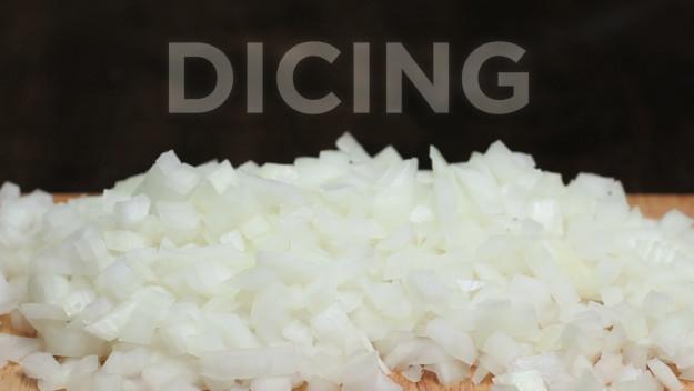3種你一直都切錯的「切洋蔥手法」,看完立刻成為洋蔥米其林廚神!