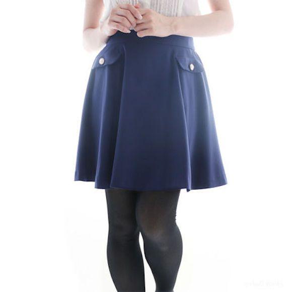 只要有了這雙「超神奇小宇宙褲襪」,裙子全撩起來不怕走光而且旁人都開始「星際效應」了!(誤)