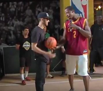 瘦小185cm男子挑戰灌籃,爆猛到NBA球員主持人一臉無奈的說「不可能!」
