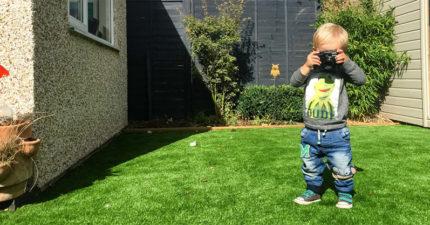 爸爸把相機給19個月大的兒子來拍「他眼中的世界」,看完32張照片你會發現小孩子的世界比我們單純太多了!