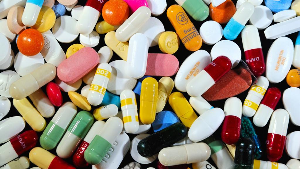 「藥品過了保存期限一定要丟掉?」這就是藥商打死也不告訴你的背後真相!一切都是陰謀。