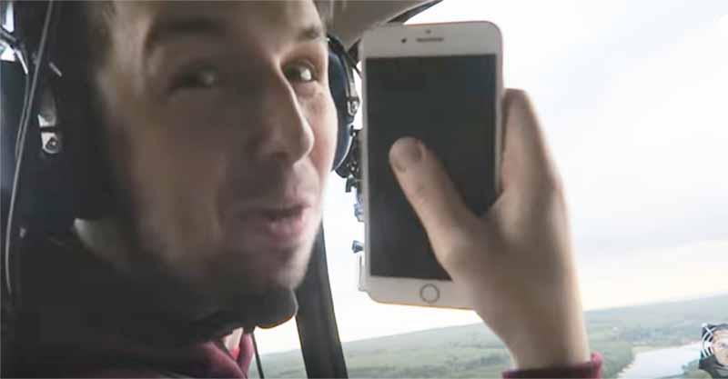 他將一台iPhone 7往直升機外丟出,結果看了手機拍下畫面才知道為什麼Nokia 3310已經太遜了!