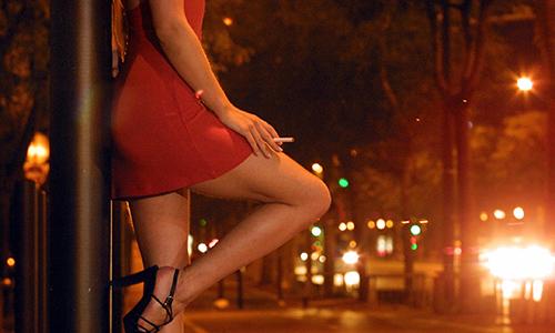 關於小布裘莉戀結束的導火線,私家偵探證實了小布與奧斯卡女星的緋聞。另外還提到俄國妓女...