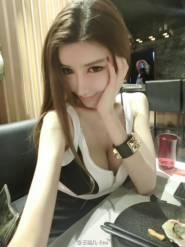 中國女模「二筒姐」近日被傳出3年前去日本拍色片時,遭10男輪暴的影片...