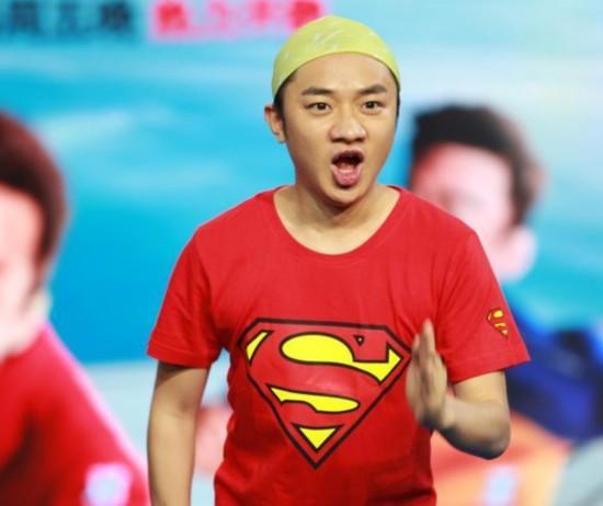 「港版納豆」王祖藍才162公分卻能娶到174公分的美人,看完他的超勵志故事會發現他老婆真的賺到了!