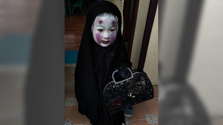 小女生不要當迪士尼公主「化身為無臉男」!一到學校驚悚到同學被嚇哭,老師還認不出!