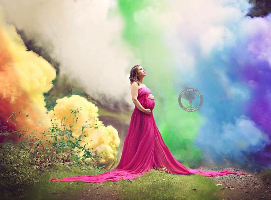在6次的慘痛流產後,媽媽用了最勁爆的方式來慶祝這「彩虹嬰兒」!