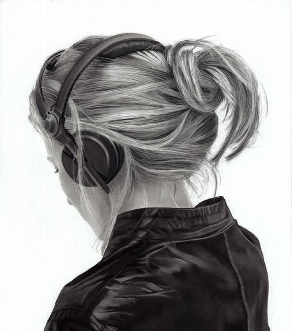 Yanni Flores - Charcoal