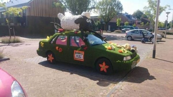 strange bizarre cars cool awesome 15 You see the strangest cars on the road nowadays (40 Photos)