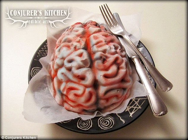 史上最噁心「腐爛女屍蛋糕」!近看肚子超噁但好吃到你會忍不住咬下去!