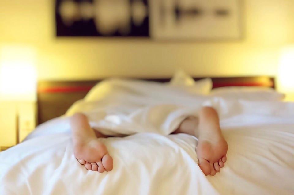 10個「懶人專用」超有效減肥方法,懶到就連看電視也能瘦身!
