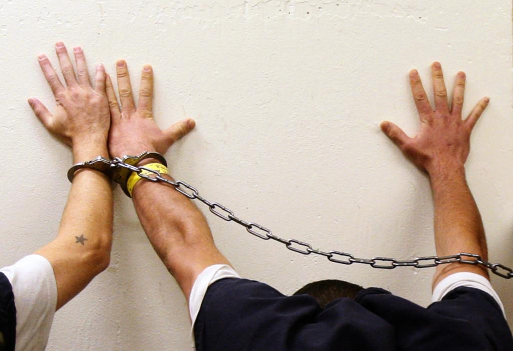 「14歲少女慘遭12名男子輪姦殺害」震驚全國,這個國家決定立法「讓強姦犯全變成太監」!