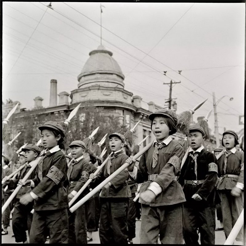 文化大革命攝影師不顧追殺「把2萬張底片藏地板下」,如今「比歷史課本更殘忍影像」終於流出...(22張)