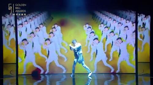 5566在金鐘獎神合體熱舞大唱名曲《我難過》56不能亡!但許孟哲一開口網友就虧「GG了」。(內有表演影片)