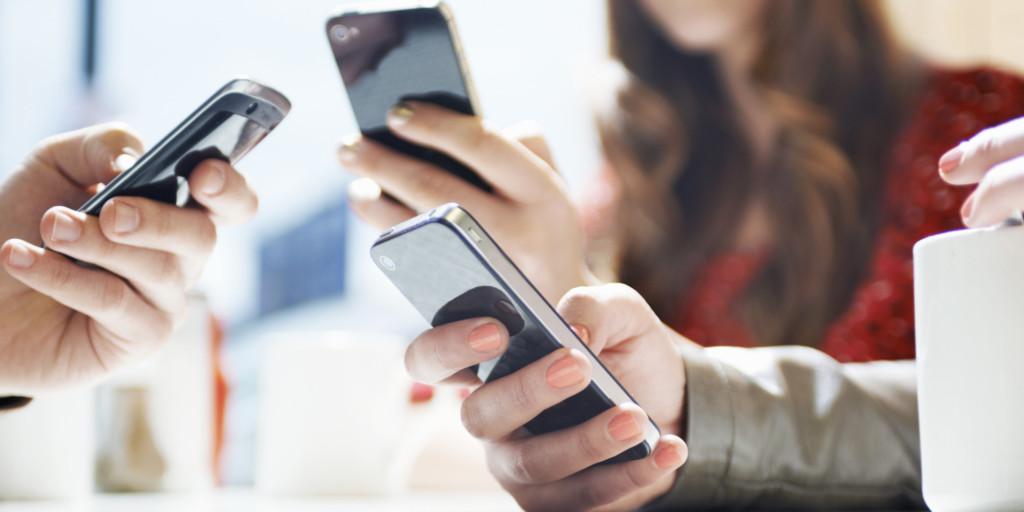 蘋果員工「偷取客人手機中的裸照」數量超過上百張,蘋果公司已開始調查也承認了...