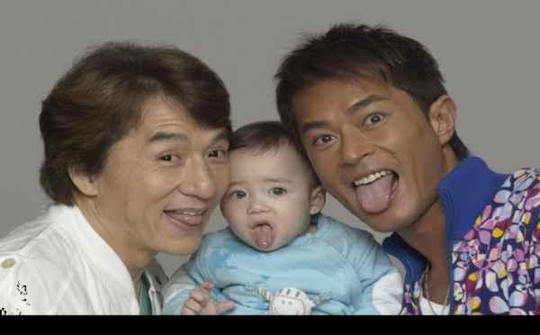 當年與成龍拍《寶貝計畫》的「爆萌」小嬰兒長大了,電力十足的帥模樣讓人眼睛發光!