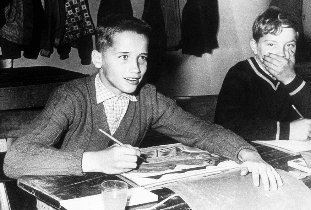 26張「歷史書裡有就會讓學生上癮」的名人青澀時期珍貴歷史照,川普年輕時候其實還蠻帥的!