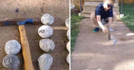 爸爸帶兒子去海邊玩意外撿到「外型奇特的石頭」,好奇敲開簡直賺翻了!