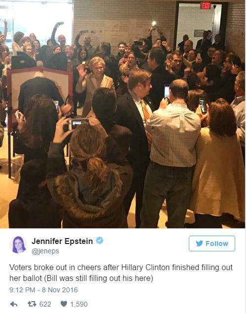 川普看來贏定了,但走進投票所影片公開,川普熱情揮手但選民卻狂噓!(影片)