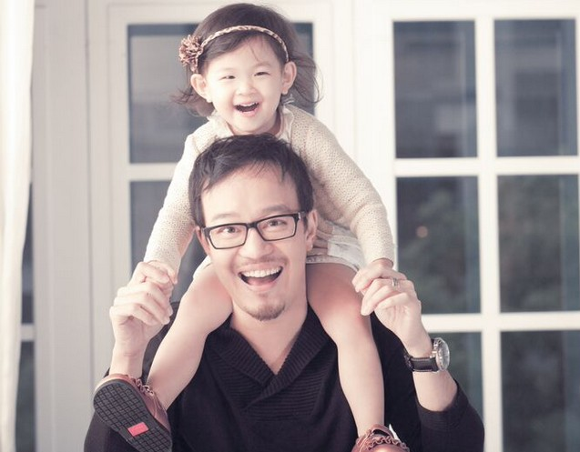 劉軒從小功課不好於是爸爸「拜託他以後都考零分」,他照做後「考進哈佛大學」說明現在的教育問題!