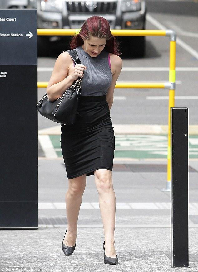 27歲美女性侵狗狗拍下「獸交影片」,法官痛斥「很醜惡又違反了大自然的規律」!