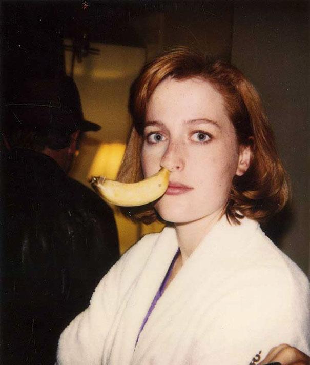 21張你絕對沒看過的「隱藏版名人老照片」。#12史嘉蕾喬韓森14歲時就已經超正!
