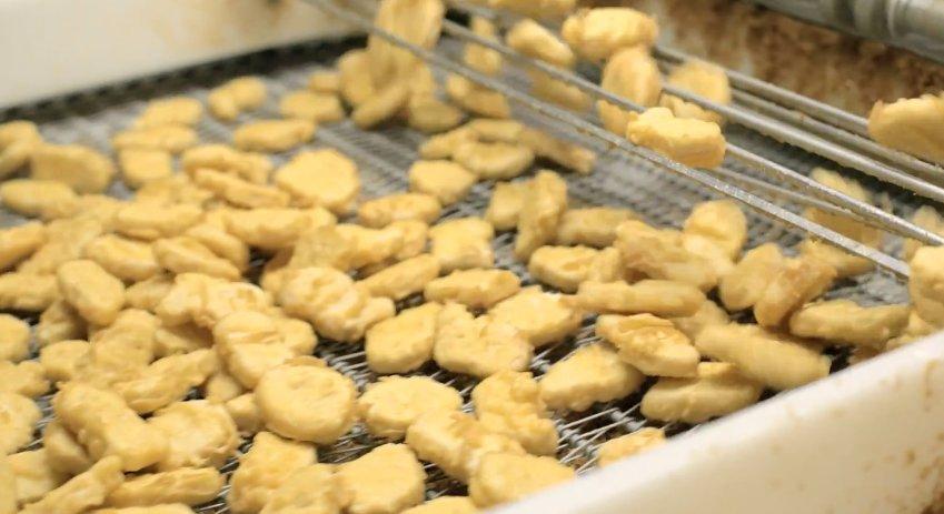 為什麼麥克雞塊要分成「4種不同形狀」?官方證實這都是為了讓你吃得更開心!
