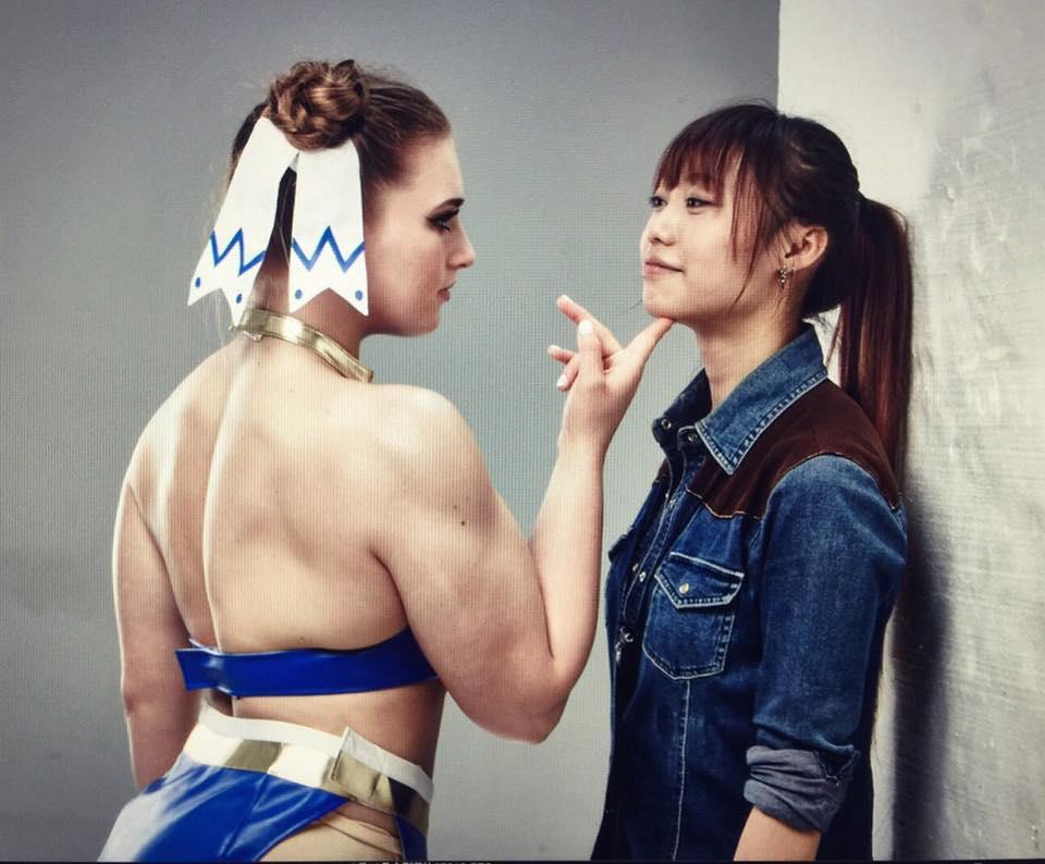俄羅斯「筋肉美少女」扮演《快打旋風》春麗神原度!網友:「百裂腳蜜大腿太強悍了」。