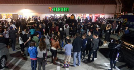 百位年輕人票選出便利商店「最缺的東西」,有了這個以後要排隊了...