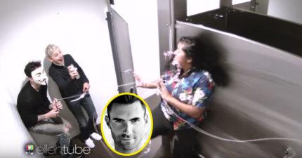 艾倫與亞當李維躲在商店廁所裡嚇女生,面具一拿下來女生都瘋狂了!