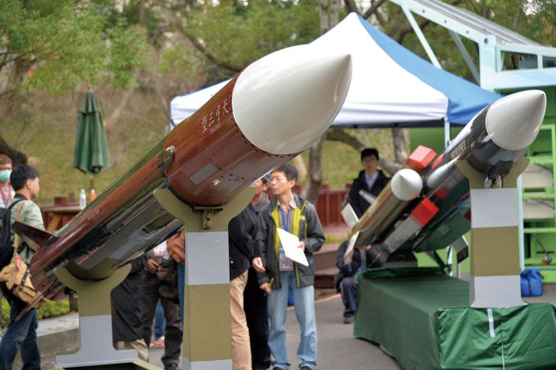 川普這項「亞洲政策」嚴重影響兩岸關係,專家最擔憂:「台灣將被迫發展核武」!