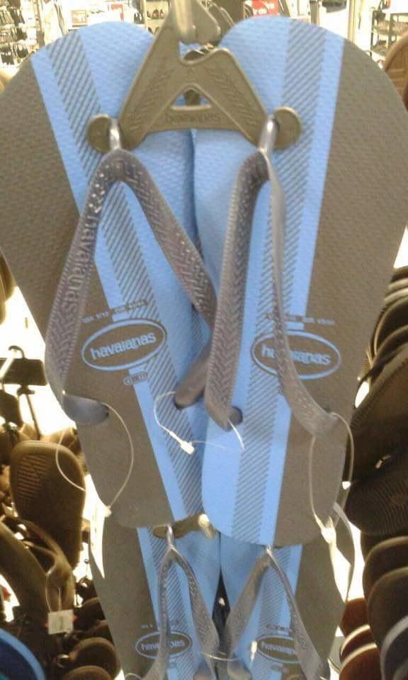 「這雙天殺的脫鞋」到底是什麼顏色?這話題又讓人家破人亡了!(藍黑?白金?)