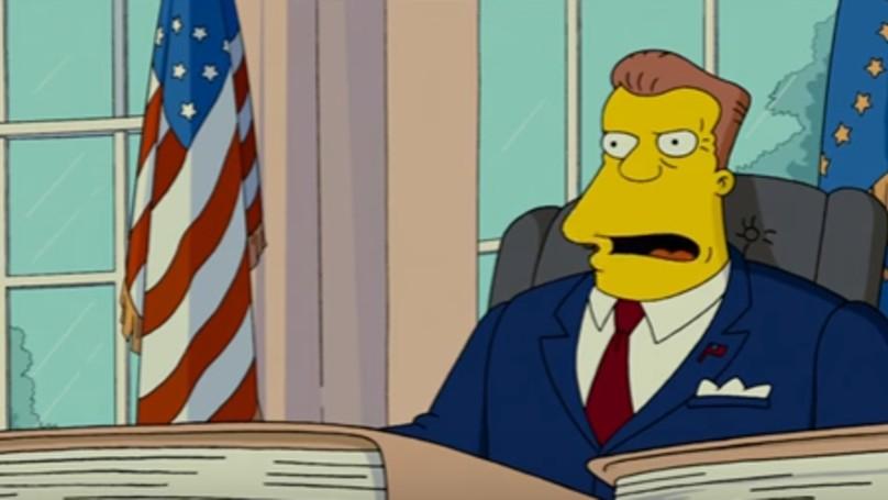 辛普森預測到川普會當選,同時也透露了川普之後會「由阿諾接班」。而巨石強森...