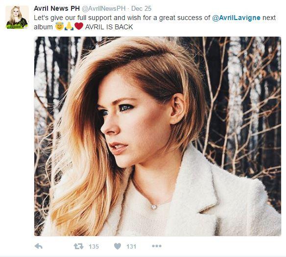 艾薇兒2年跟萊姆病抗戰,聖誕節上傳影片「要給粉絲一個驚喜」網友嗨翻「艾薇兒回來了」!