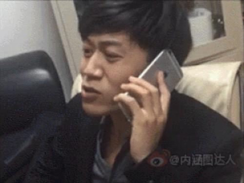 中國男子沒錢買iPhone用「史上最狂山寨哀鳳」,講完電話翻過來網友推爆!(影片)