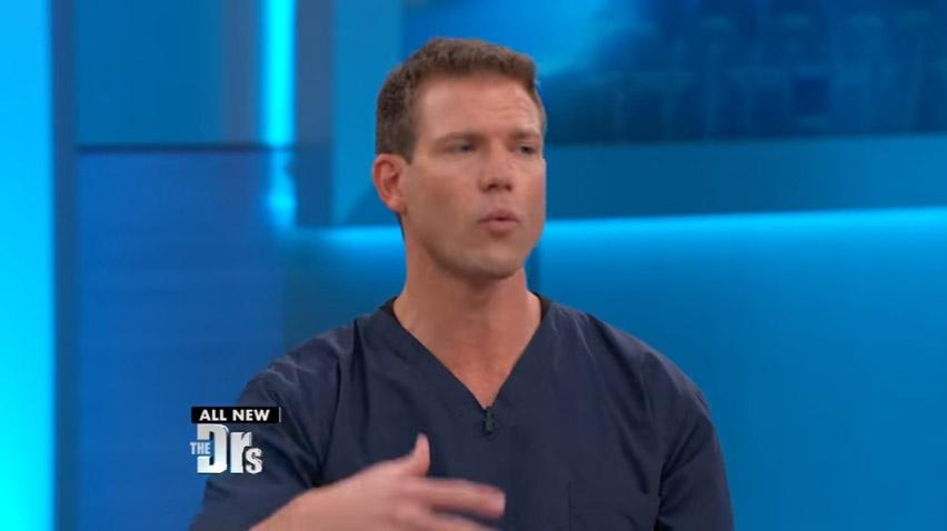 25歲父為了健身吃減肥藥「小腿發黑壞死」,醫生:「錯誤吃法很致命」!