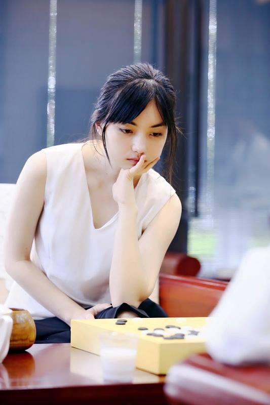 22歲「台灣最正混血圍棋女神」美到對手無法專心!「童年萌照曝光」從小就是美人胚子!(20張)